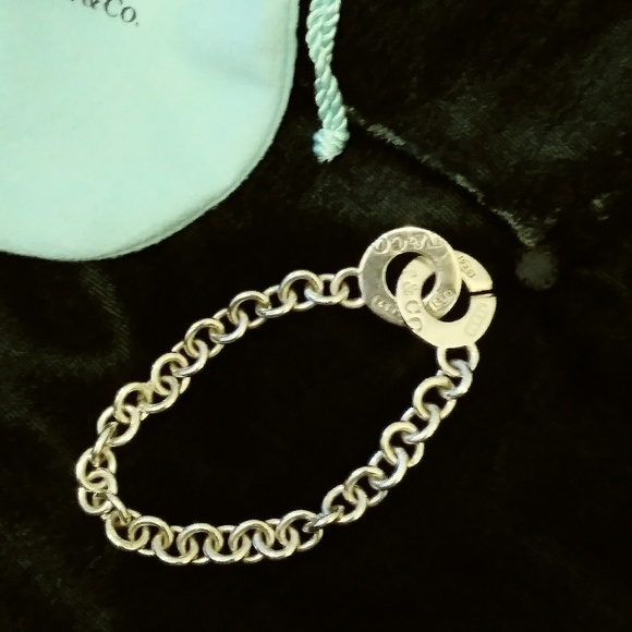 c4f495005 Tiffany& Co. silver clasp toggle bracelet. M_5c85c25daa57190f783fa849